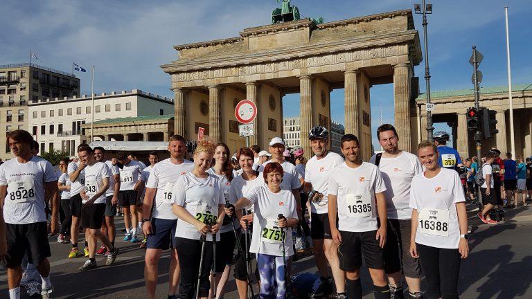 Das Team vor dem Brandenburger Tor